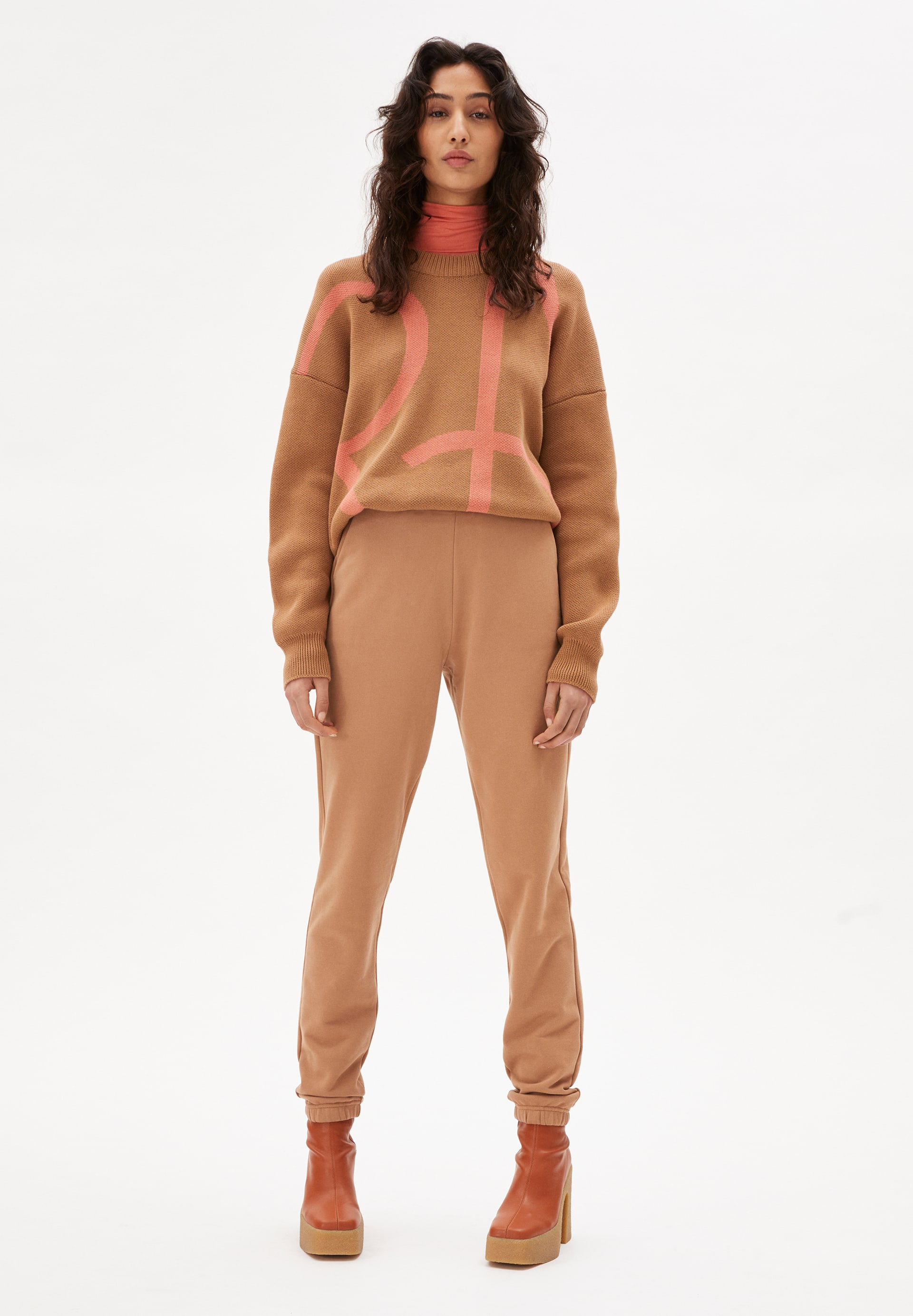 MANIAA LOGOMANIA Sweater made of Organic Cotton