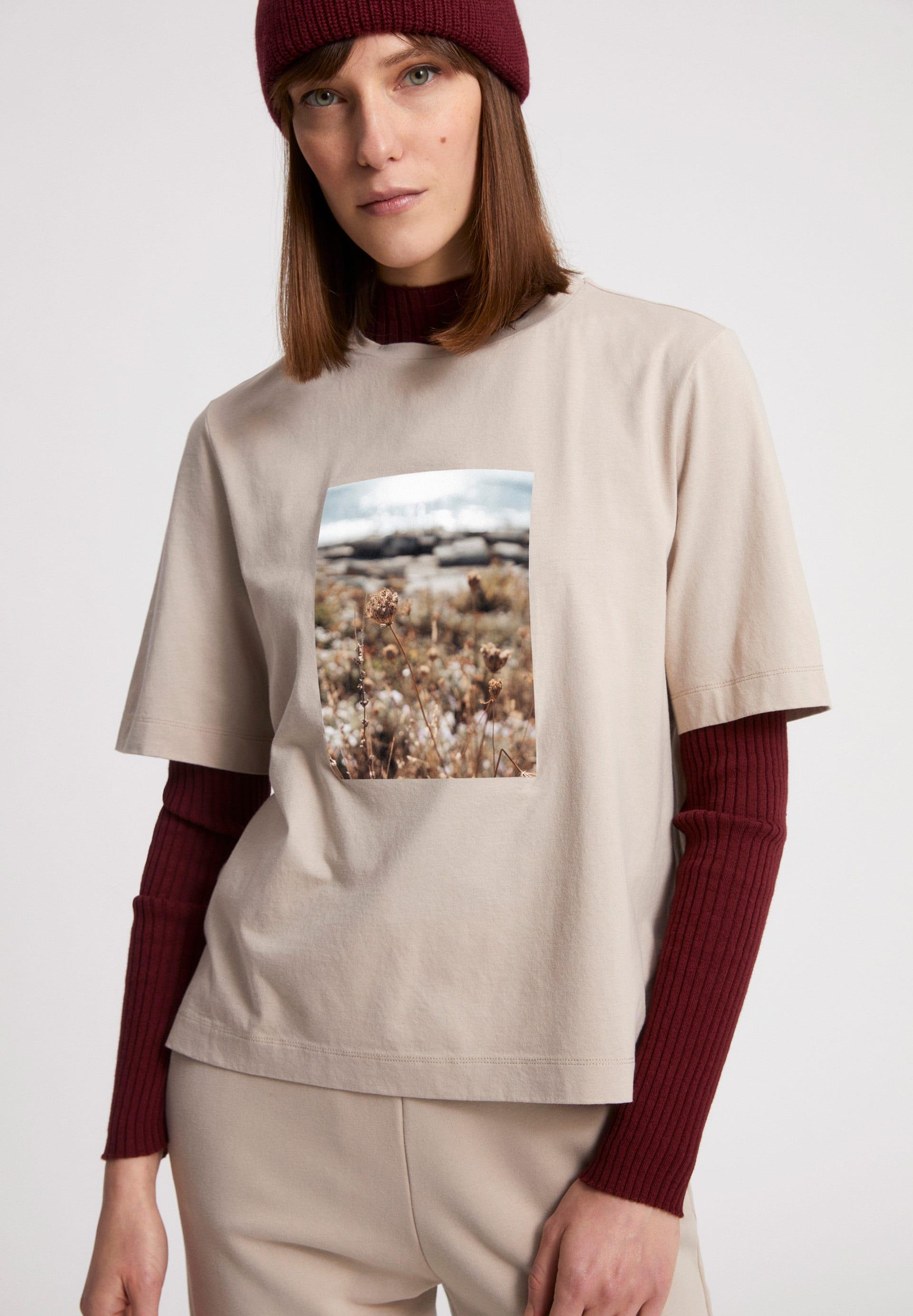 LAYAA FIELDS T-Shirt made of Organic Cotton