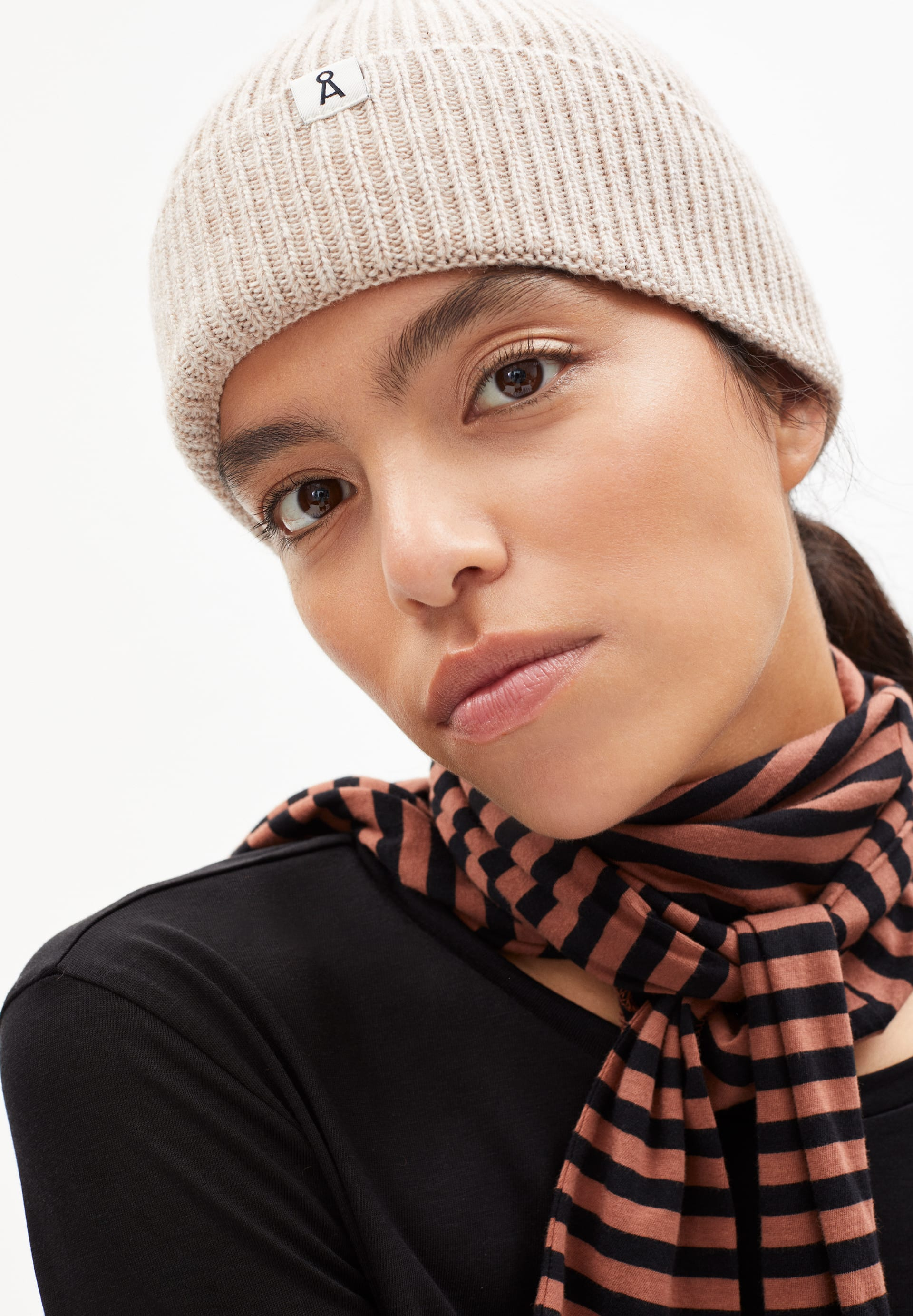 MAAX Bonnet en laine biologique mélangée