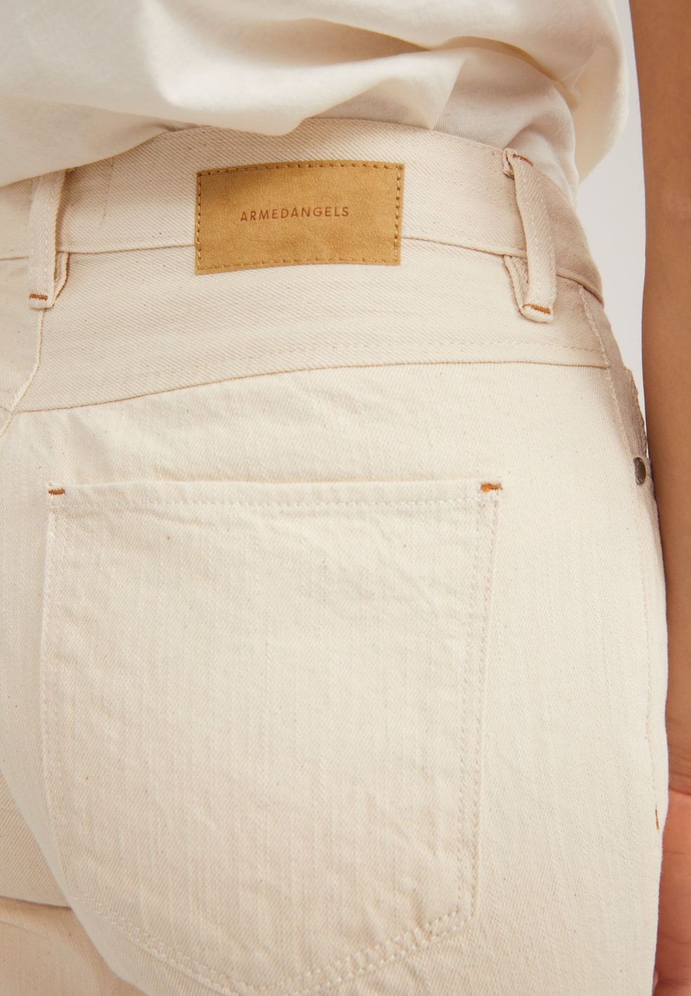 FJELLAA CROPPED UNDYED